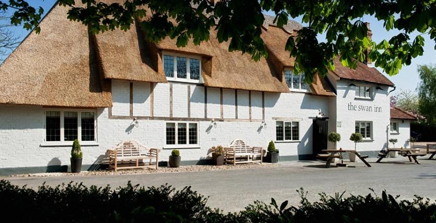 Little Gems Country Dining - The Swan Inn