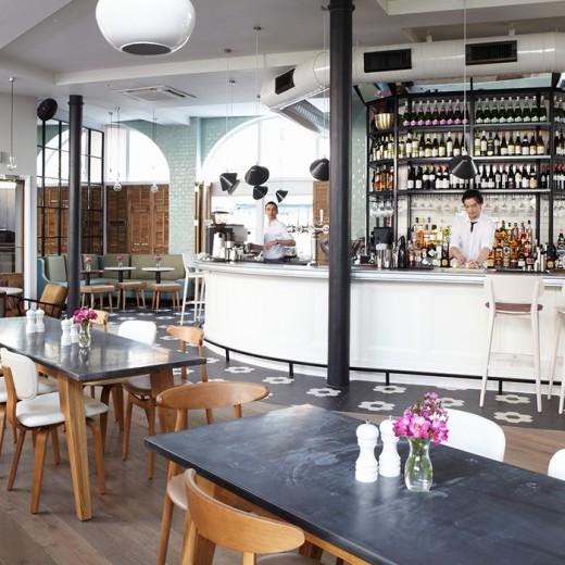 Darwin & Wallace No 11 - Bar View