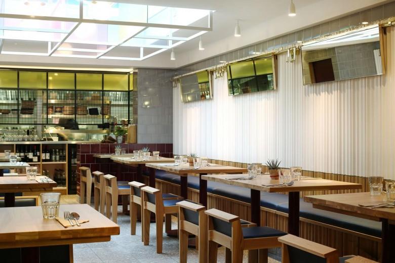 Rosa's Thai Cafe Interior 3 - Angel