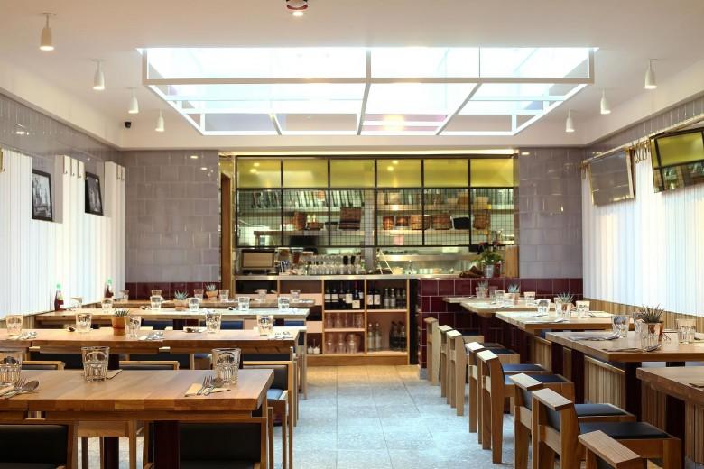 Rosa's Thai Cafe Interior 2 - Angel