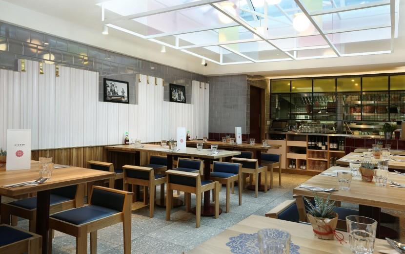 Rosa's Thai Cafe Interior 1 - Angel