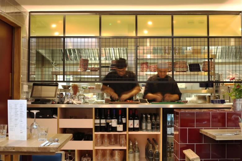 Rosa's Thai Cafe Interiors 21 - Angel