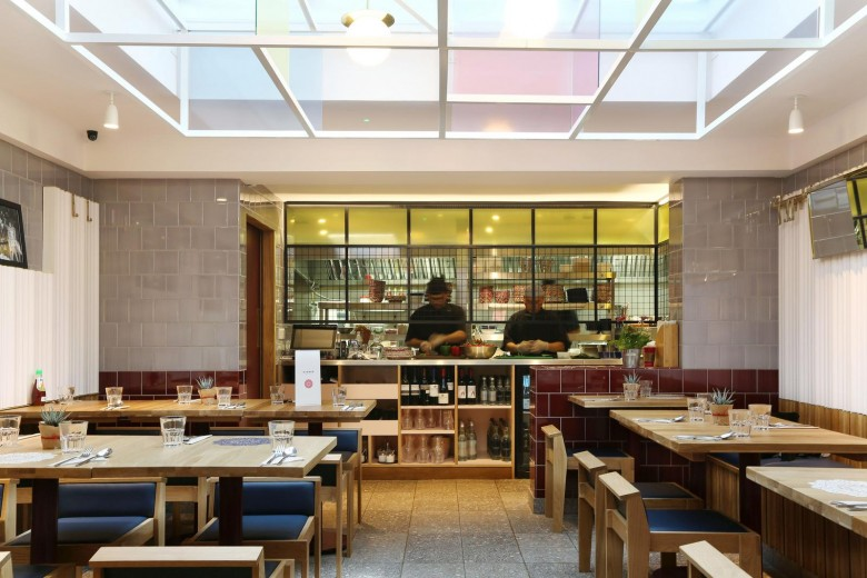 Rosa's Thai Cafe Interiors 19 - Angel