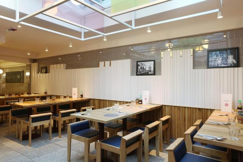 Rosa's Thai Cafe Interiors 17 - Angel