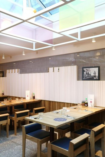 Rosa's Thai Cafe Interiors 16 - Angel