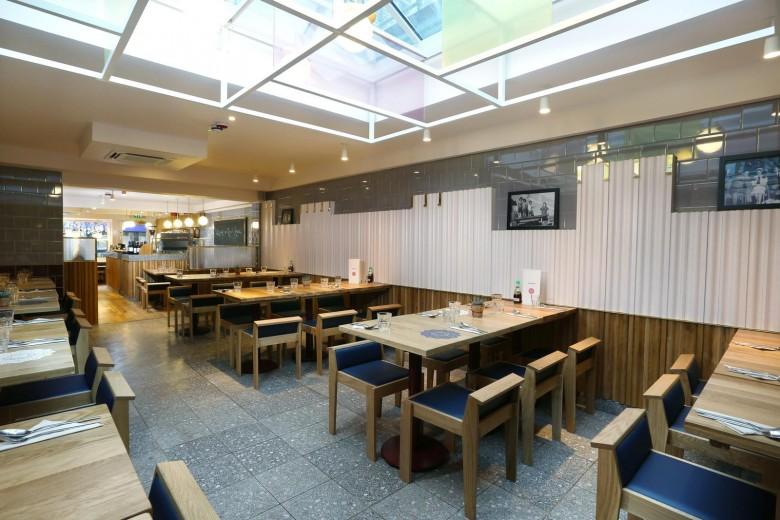 Rosa's Thai Cafe Interiors 13 - Angel