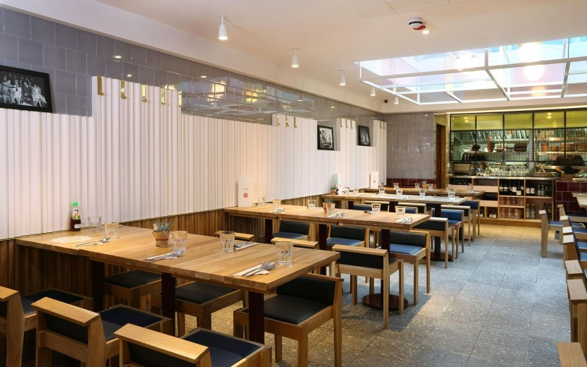 Rosa's Thai Cafe Interior 12 - Angel