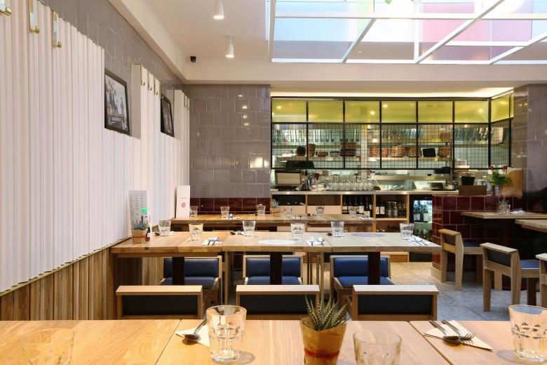 Rosa's Thai Cafe Interior 11 - Angel