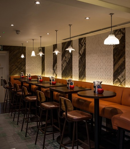 Gourmet Burger Kitchen - Baker Street - Dining 2